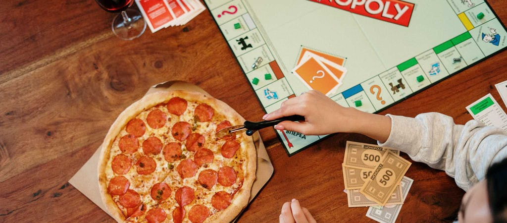 Pizza cutter and Monopoly